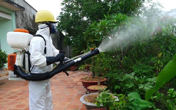 Phun diệt muỗi
